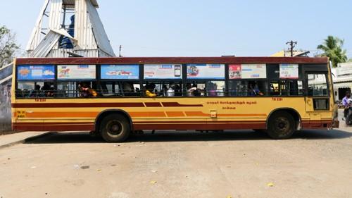 チェンナイ市内とマハーバリプラムを結ぶローカルバス