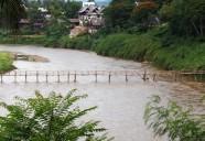 ラオスの桃源郷で手作りバンブーブリッジを渡る